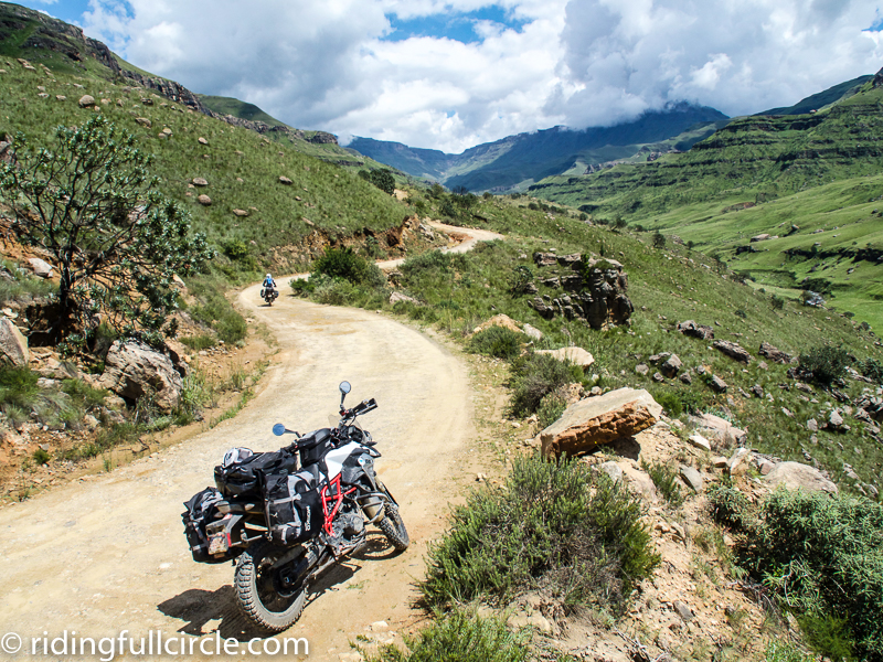 sani pass, mosko moto, staubwolke crash bars