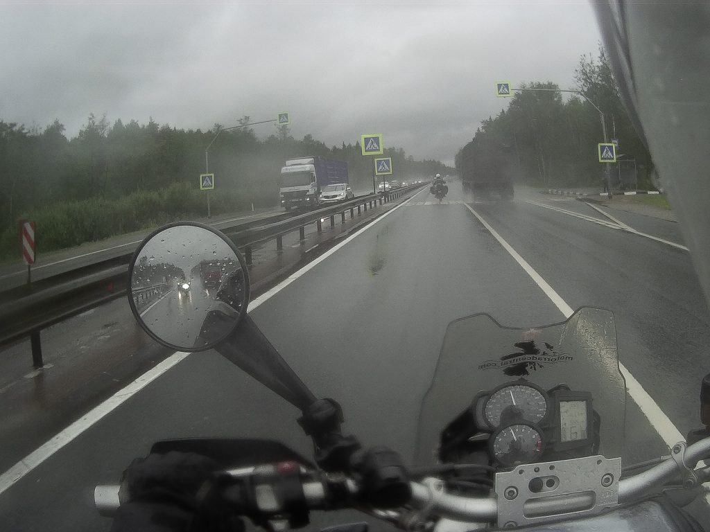 riding full circle heather lea dave sears world motorcycle tours riding in the rain
