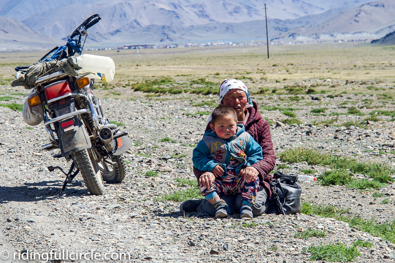 riding full circle heather lea dave sears mongolia camels overland motorcycle journey round the wold motorcycle trip